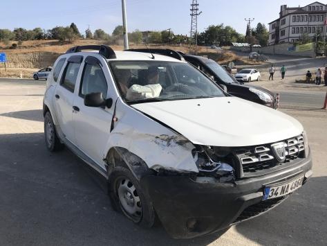 Karabükte otomobil ile cip çarpıştı: 5 yaralı