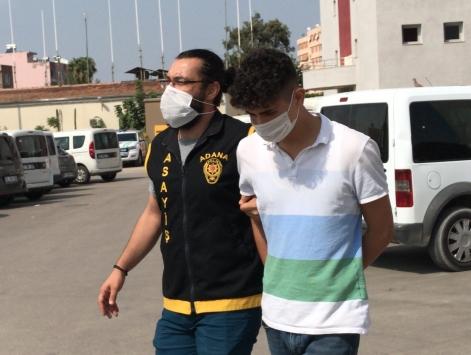 Adanada Suriyeli ikizleri bıçaklayıp gasbeden 2 zanlı tutuklandı