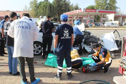 Tokatta otomobil park halindeki tıra çarptı: 2 ölü, 2 yaralı