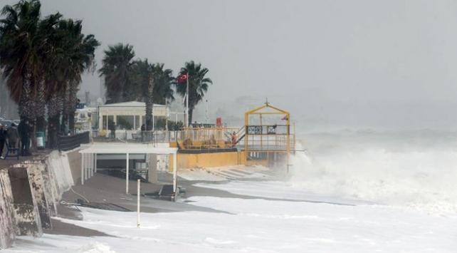 Antalyada kuvvetli fırtına bekleniyor