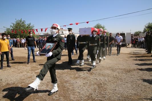 Irakın kuzeyinde şehit olan Uzman Çavuş Temelli, son yolculuğuna uğurlandı