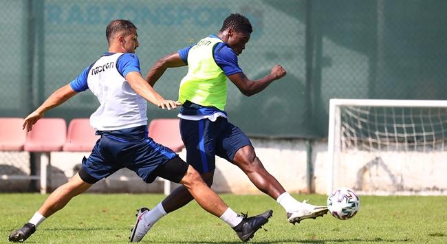 Trabzonsporda Ekuban ve Pereira geri döndü