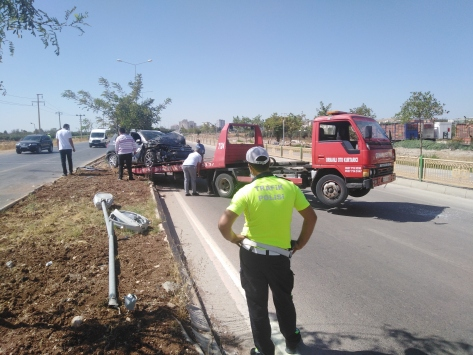 Kiliste otomobil ile hafif ticari araç çarpıştı: 5 yaralı