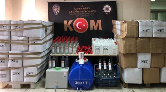 İzmirde 11 bin 583 şişe sahte içki ele geçirildi