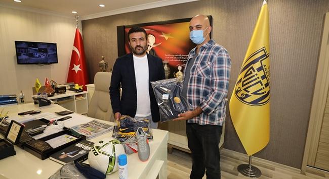 MKE Ankaragücündan şehit ismini taşıyan futbol takımına yardım
