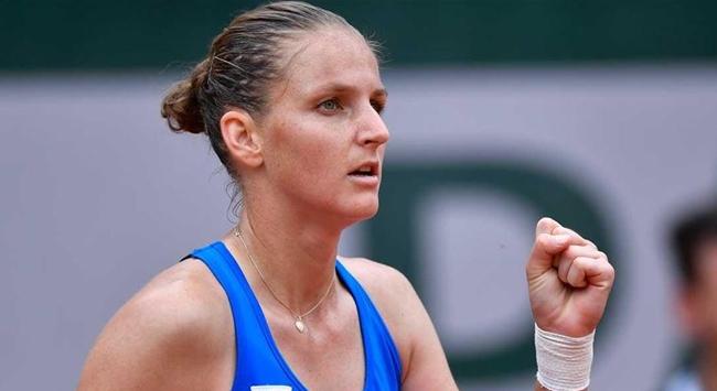 Fransa Açıkta Pliskova ve Kenin ikinci turda