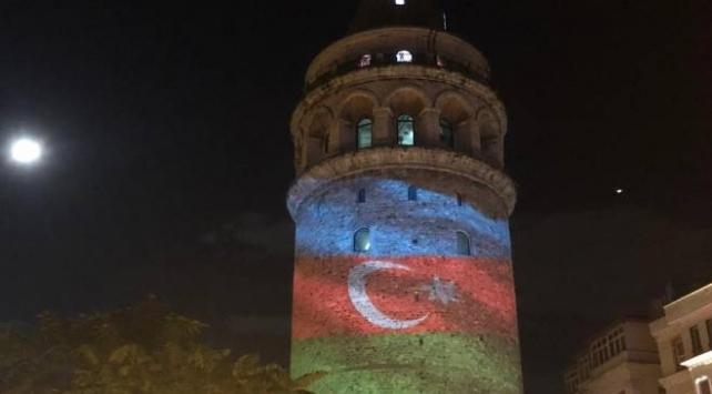 Azerbaycan Bayrağı Galata Kulesine yansıtıldı