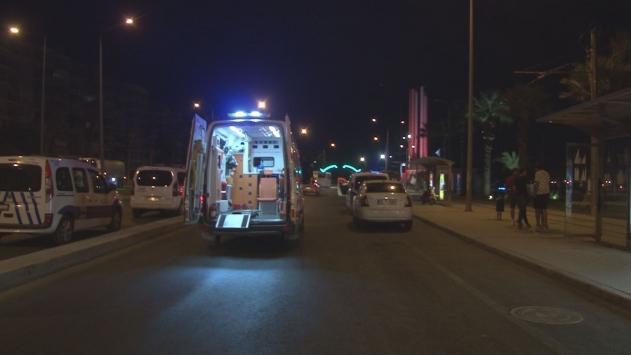 İzmirde bıçaklı kavga: 2 yaralı