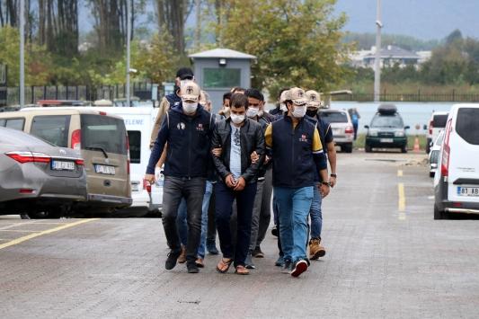 Düzcede DEAŞ operasyonunda yabancı uyruklu 7 kişi yakalandı