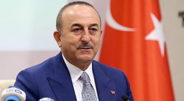 Bakan Çavuşoğlu: Dünyanın neresinde işgalciyle toprakları işgal edilen aynı muameleyi görüyor