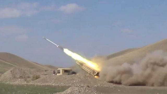 Azerbaycan, sivilleri hedef alan Ermenistan mevzilerini vuruyor