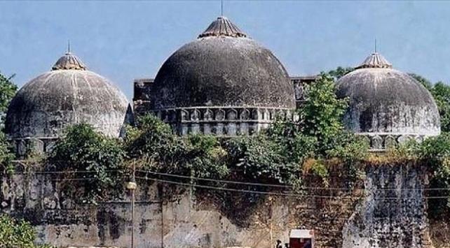 Hindistanda Babri Camiinin yıkılmasıyla ilgili yargılanan 32 kişi beraat etti