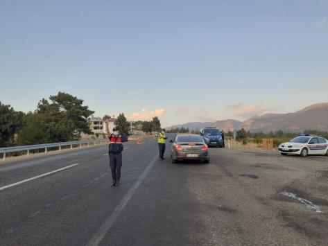 Adanada trafik uygulamasında 195 sürücüye ceza yazıldı