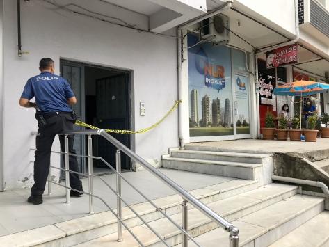 Düzcede apartmanda yayılan kokudan etkilen 5 kişi hastaneye kaldırıldı