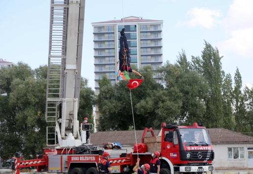Sivasta yangın ve kurtarma tatbikatında Azerbaycana bayraklı destek