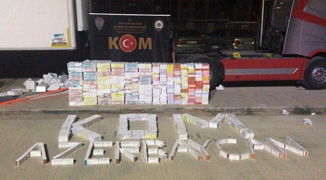 Antalyada 26 bin 880 paket kaçak elektronik sigara kartuşu ele geçirildi
