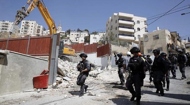 İsrail güçleri Batı Şeriada Filistinlilere ait 7 evi yıktı