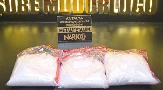Antalyada 3 kilo 774 gram metamfetamin ele geçirildi