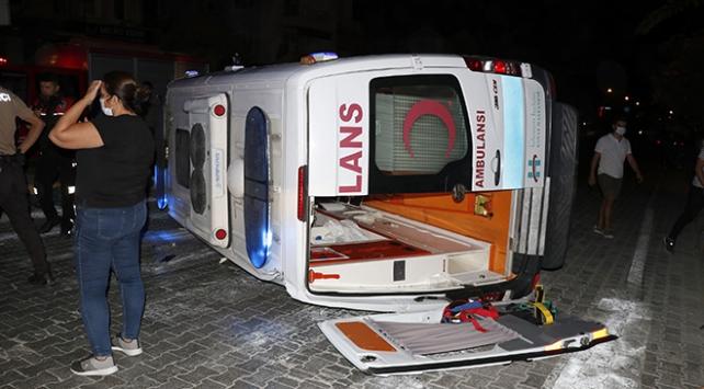 Muğlada ambulansla hafif ticari araç çarpıştı: 6 yaralı