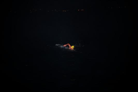 Milli sporcu Emre Sevenin Mersinden KKTCye yüzüşü başladı