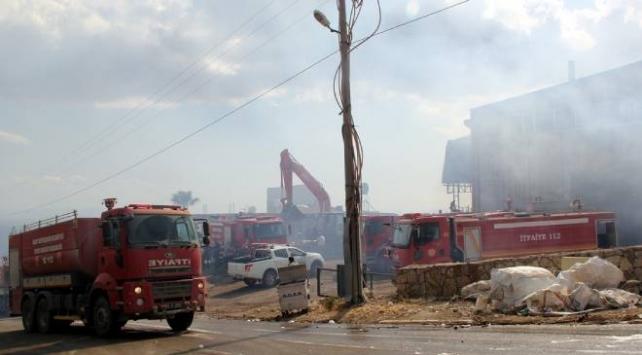 Hatayda pelet fabrikasında çıkan yangın kontrol altına alındı