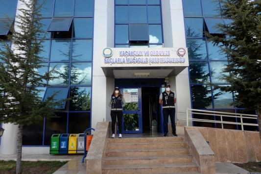Tokatta işe yerleştirme vaadiyle vatandaşları dolandırdıkları iddiasıyla 6 kişi yakalandı