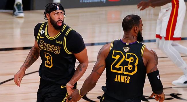 NBA finalinde Lakers 2-0 öne geçti