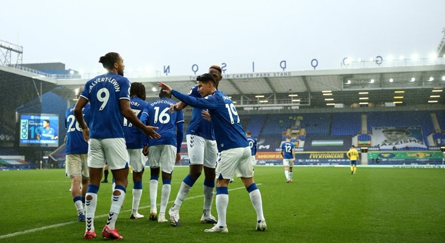 Everton 4te 4 yaptı