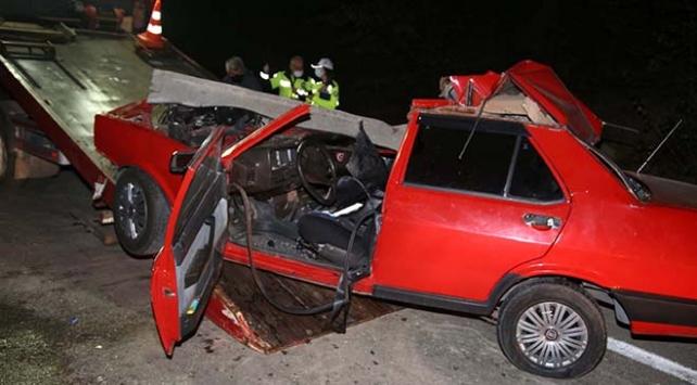 Kastamonuda otomobil ile kamyon çarpıştı: 1 ölü, 1 yaralı