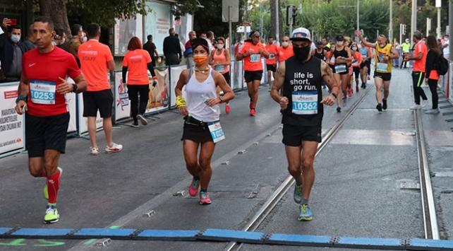 Uluslararası İzmir Maratonu başladı