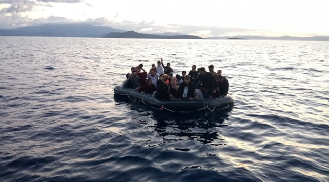 Yunanistan geri itti, 33 düzensiz göçmeni Türkiye kurtardı