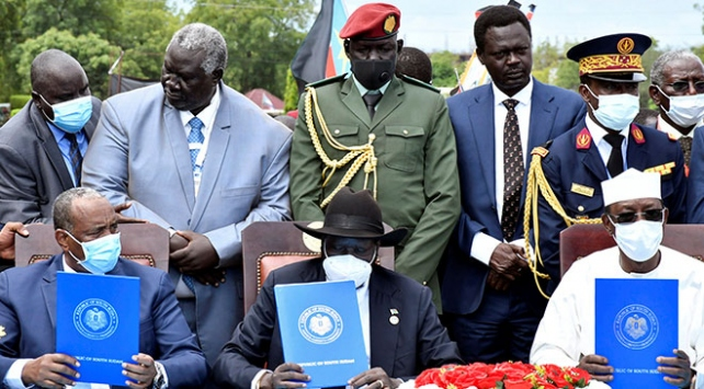 Sudanda imzalanan anlaşma protesto edildi