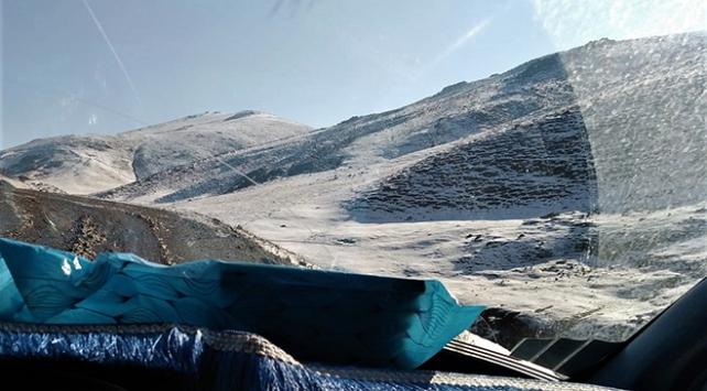 Van ve Ardahanda mevsimin ilk karı yağdı