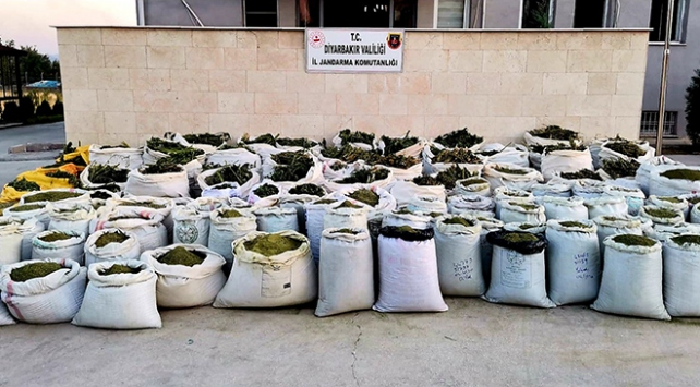 Diyarbakırda 2 ton 628 kilo esrar ele geçirildi