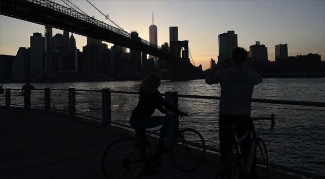 New Yorkta Vali ve Belediye Başkanı COVID-19 önlemlerinde anlaşamadı