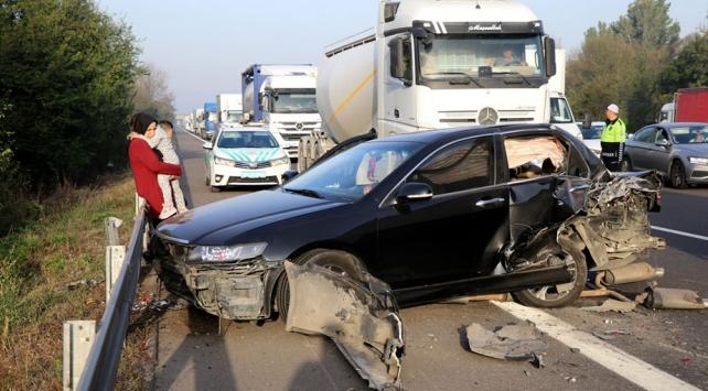 Anadolu Otoyolunda kaza: 2 yaralı