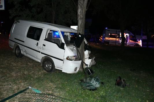 Turgutluda trafik kazası: 2 yaralı