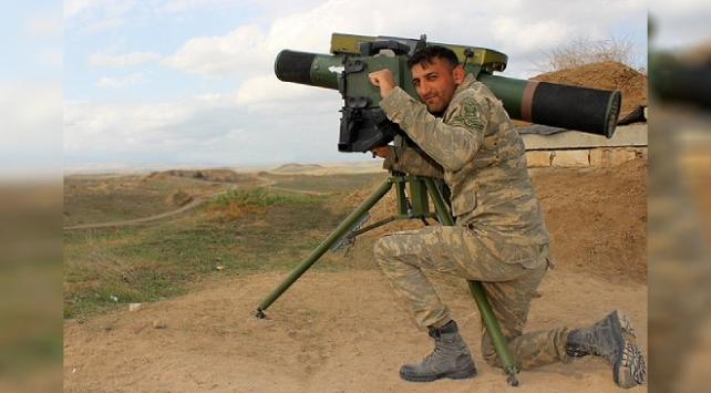 Tek başına 11 Ermeni zırhlısını imha etti