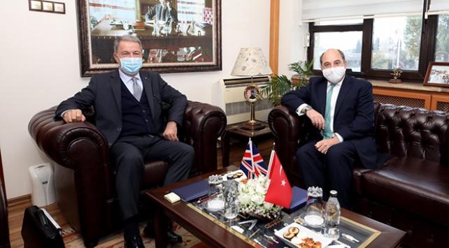 Milli Savunma Bakanı Akar, İngiliz mevkidaşı ile görüştü