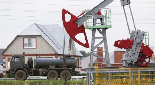 Rusyanın petrol ihracat gelirleri yüzde 40 azaldı