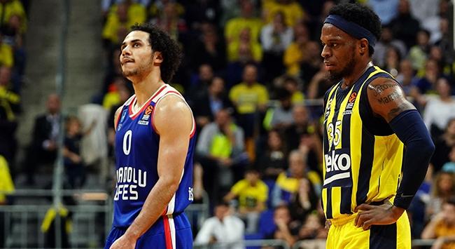 Avrupa basketbolunda 76. Türk derbisi