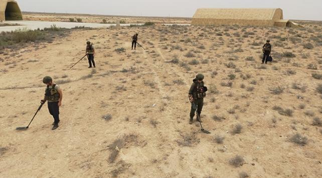 Libyada darbeci Hafterin tuzakladığı mühimmatları TSK timleri temizliyor