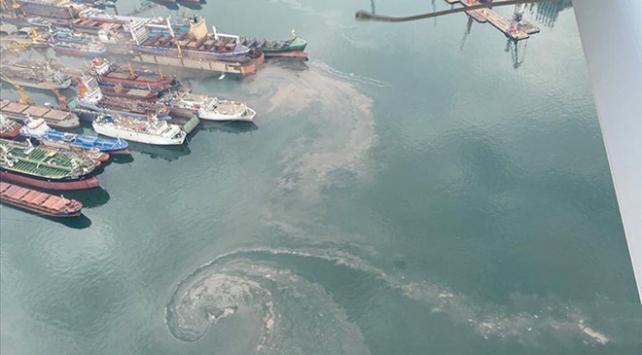 Tuzlada denizi kirleten gemiye 1,3 milyon lira ceza