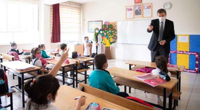 Milli Eğitim Bakanı Selçuktan velilere tedbir çağrısı