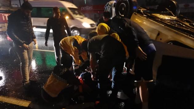Kocaelide takla atan otomobilin sürücüsü yaralandı