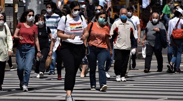 Maske takanlar koronavirüse karşı bağışıklık kazanabiliyor