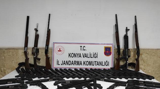 Konyada kaçak silah operasyonunda 65 av tüfeği ele geçirildi
