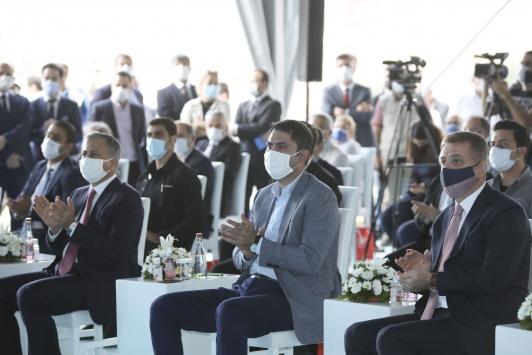 Bakan Kurum, Gaziosmanpaşada temel atma törenine katıldı: