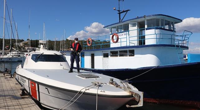 Urlada tekneye operasyon: 130 sığınmacı yakalandı, 2 kişi gözaltında