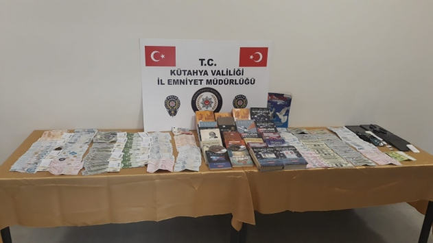 Kütahyada FETÖ operasyonunda 21 şüpheli gözaltına alındı